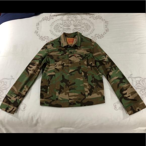 6745d0569cccf Levi's Jackets & Coats | Levis Woodland Camo Mens Medium Trucker ...